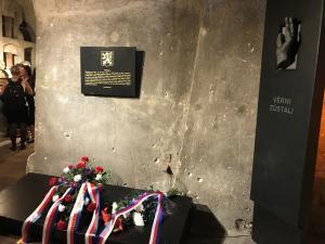 2017-06-18 75vyroci boje csl parasutistu v pravosl chramu
