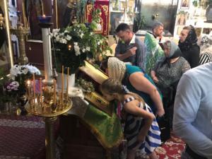 2019-06-16 sv Trojice_chram sv Nikolaje Praha_predani ikony