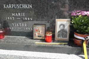 2017-06-11 panichyda u hrobu Karpuskina